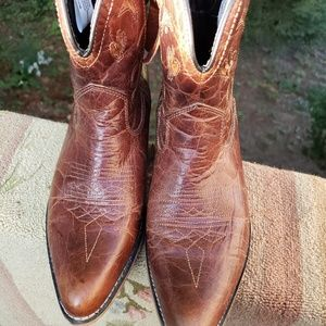 Dingo brown leather western boots with moon/cactus